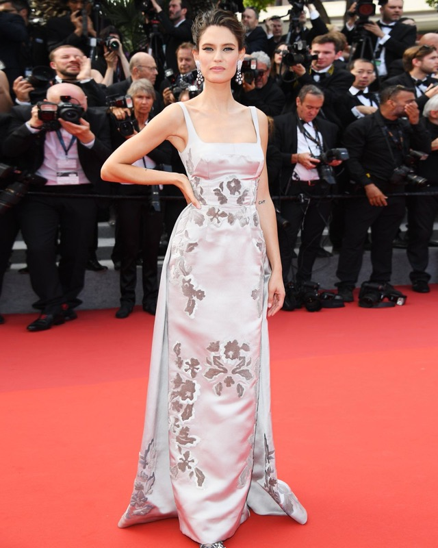 ClioMakeUp-meglio-di-cannes-2017-look-abiti-makeup-celebrity-red-carpet-29