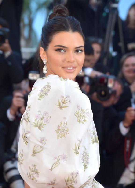 ClioMakeUp-meglio-di-cannes-2017-look-abiti-makeup-celebrity-red-carpet-19