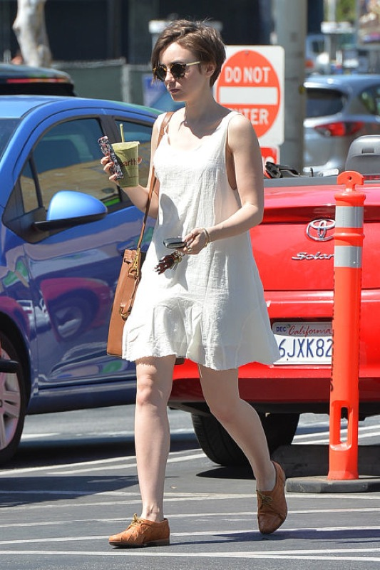 ClioMakeUp-outfit-economico-lily-collins-vestito-economico