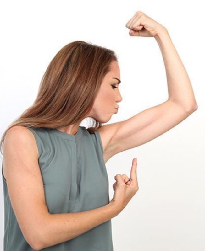 ClioMakeUp-braccia-toniche-sexy-esercizi-allenamento-6