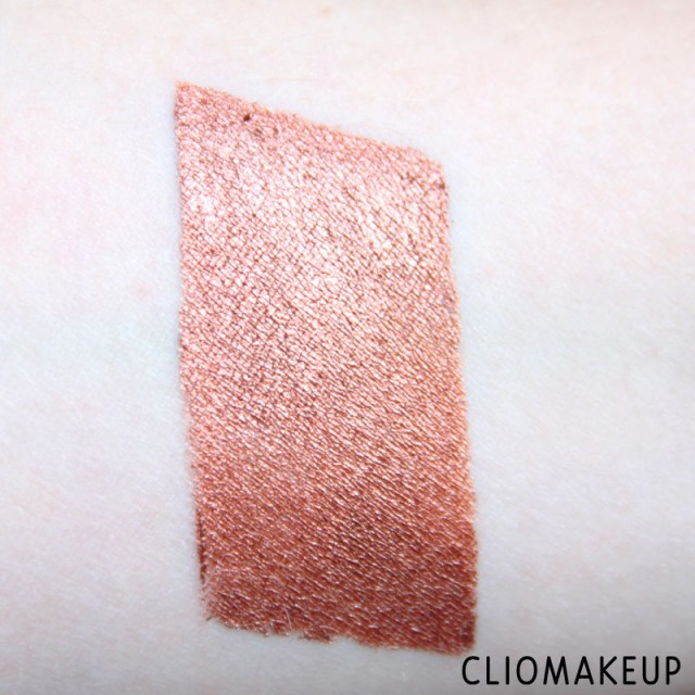 cliomakeup-recensione-ombretti-cremosi-vivid-brights-cream-color-nyx-cosmetics-5