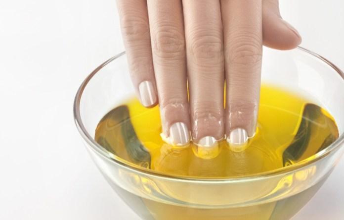 ClioMakeUp-olio-di-ricino-cosmesi-usi-proprieta-impieghi-utilizzi-6.jpg