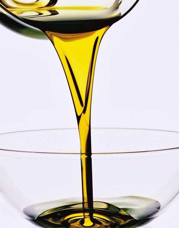 ClioMakeUp-olio-di-ricino-cosmesi-usi-proprieta-impieghi-utilizzi-10