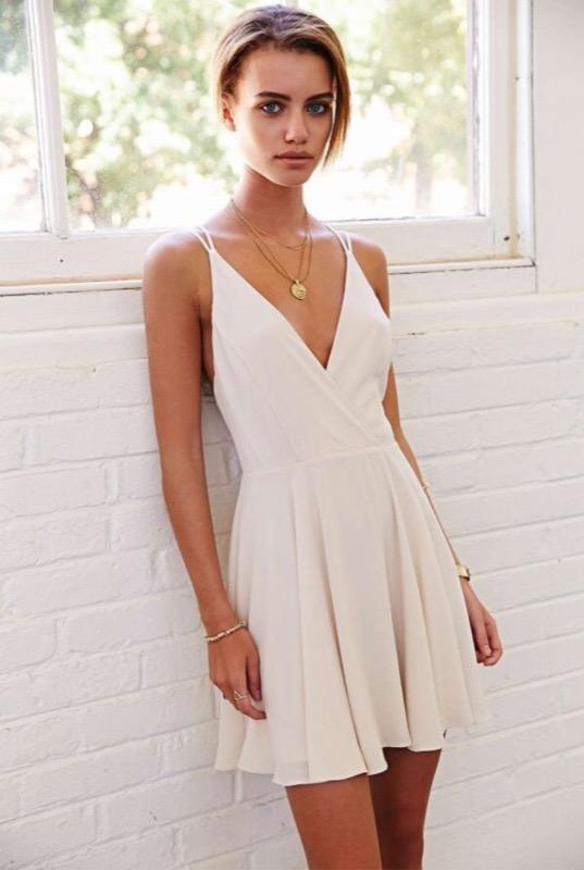 b2b53792a817 Vestiti bianchi  come abbinare per ogni occasione il colore più ...