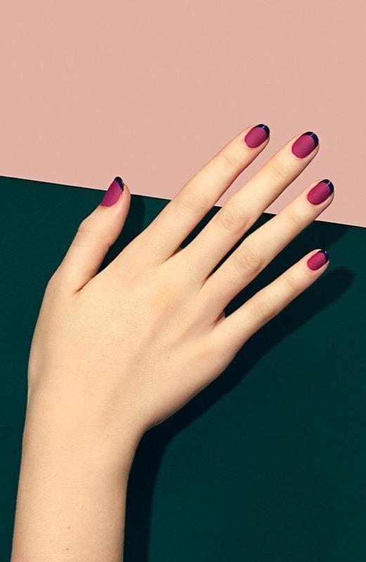 ClioMakeUp-nail-art-unghie-corte-facili-semplici-eleganti-moda-manicure-pois-righe-puntini-22