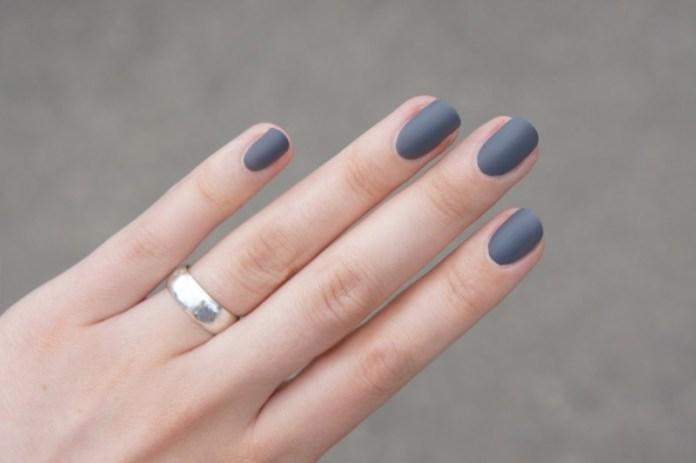 ClioMakeUp-nail-art-unghie-corte-facili-semplici-eleganti-moda-manicure-pois-righe-puntini-9