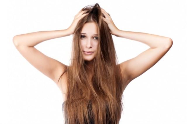 ClioMakeUp-forfora-capelli-grassa-secca-cause-rimedi-13