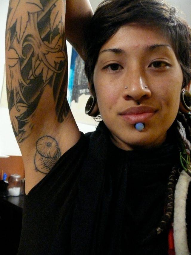 cliomakeup-tatuaggio-ascella-cipolla