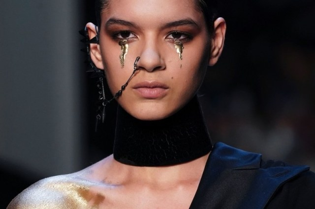 ClioMakeUp-alta-moda-haute-couture-parigi-paris-2017-2018-trucco-look-trend-moda-autunno-jean-paul-gaultier-make-up