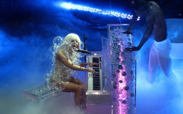 cliomakeup-mestieri-folli-celebrity-15-lady-gaga