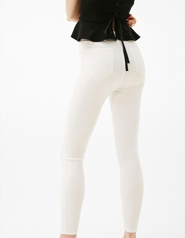 ClioMakeUp-lato-b-da-urlo-abbigliamento-senza-palestra-intimo-7