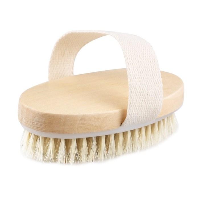 ClioMakeUp-dry-brushing-spazzola-corpo-viso-funziona-opinioni-effetto-peli-incarniti-sotto-pelle-buccia-arancia-cellulite-pori-dilatati-11