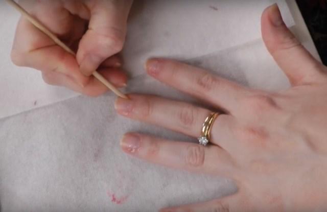 ClioMakeUp-manicure-che-dura-fatta-in-casa-smalto-unghie-15