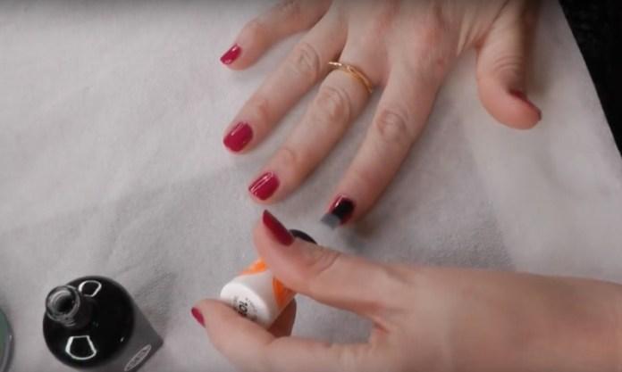 ClioMakeUp-manicure-che-dura-fatta-in-casa-smalto-unghie-5