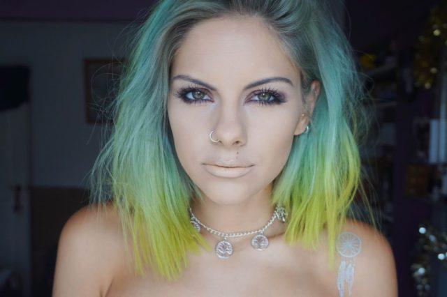 cliomakeup-abbinare-capelli-makeup-4-giallo-verde