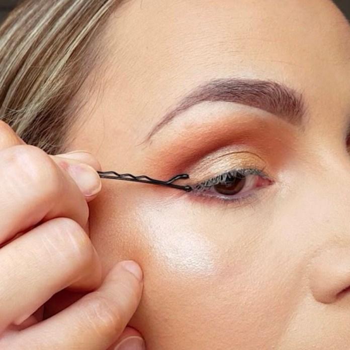 cliomakeup-eye-liner-codina-metodi-applicazione-11