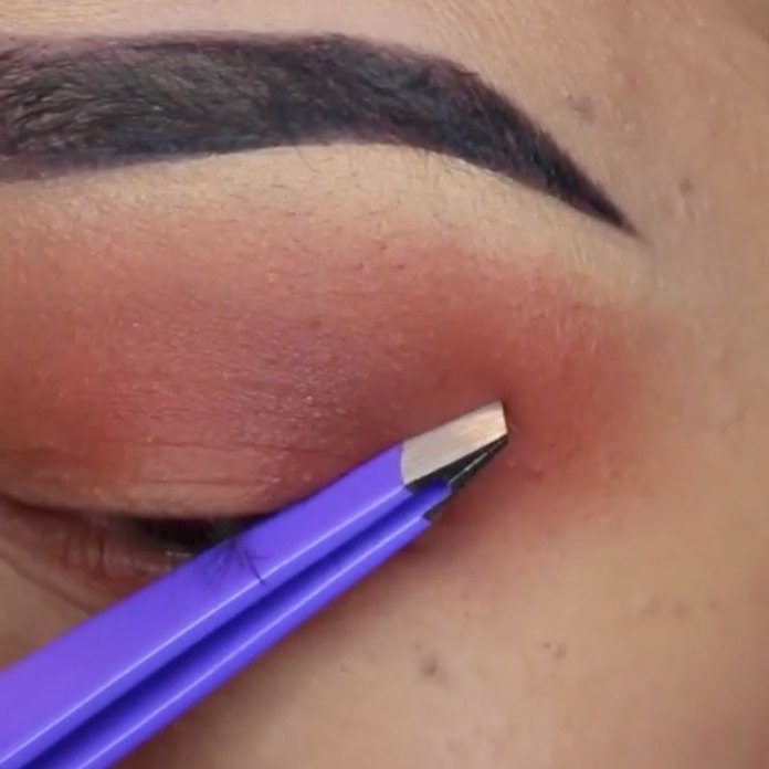 cliomakeup-eye-liner-codina-metodi-applicazione-19