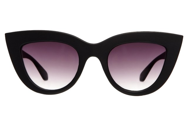 ClioMakeUp-occhiali-da-sole-star-celebrity-2017-estate-quay-black-kitti-cat-eye-sunglasses-product