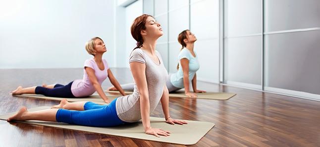 cliomakeup-yoga-per-rassodare-il-seno-5