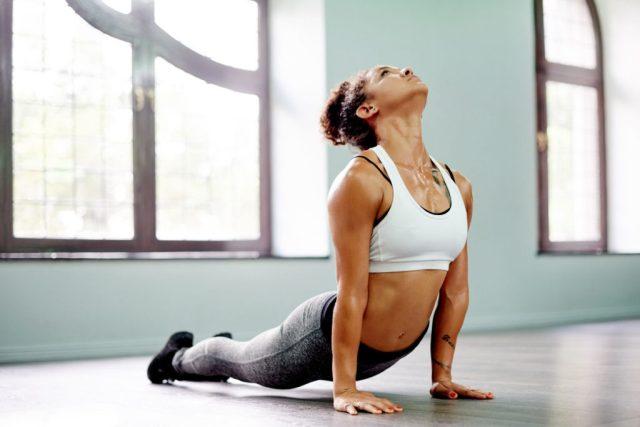 cliomakeup-yoga-per-rassodare-il-seno-8