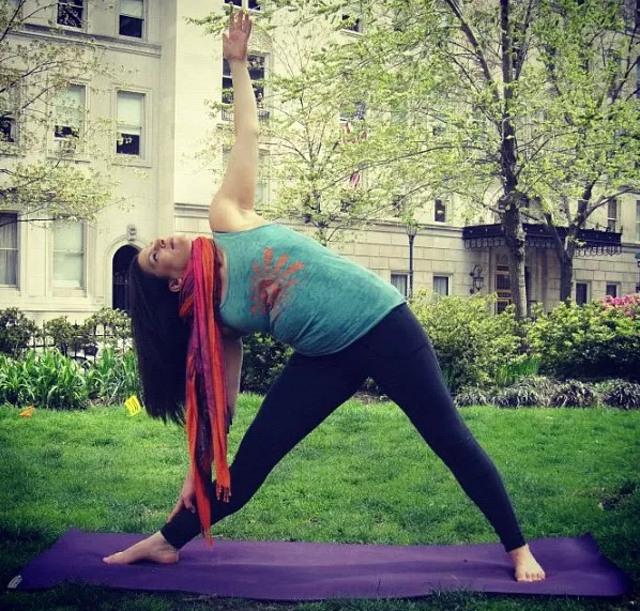 cliomakeup-yoga-per-rassodare-il-seno-12