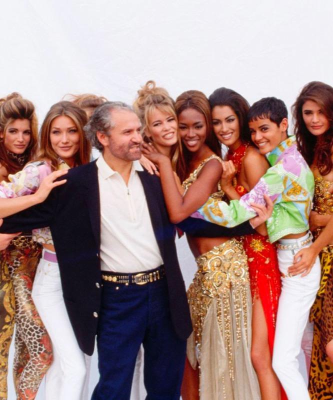 cliomakeup-versace-top-model-anni-90-naomi-campbell-claudia-schiffer-carla-bruni-cindy-crawford-helena-christensen-milano-fashion-week-2