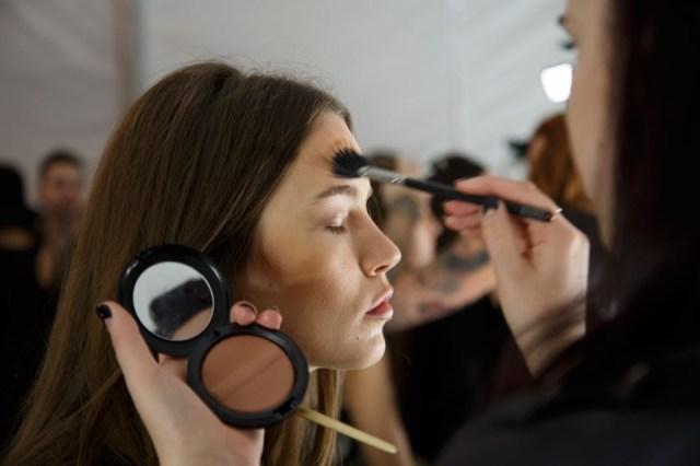 cliomakeup-migliori-makeup-tricks-6.-bronzingjpg