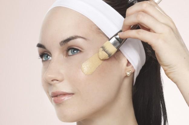 ClioMakeUp-peluria-viso-cause-rimedi-trucco-makeup-4