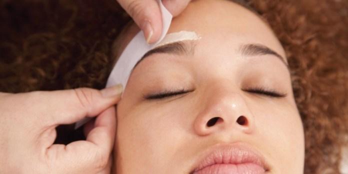 ClioMakeUp-peluria-viso-cause-rimedi-trucco-makeup-10