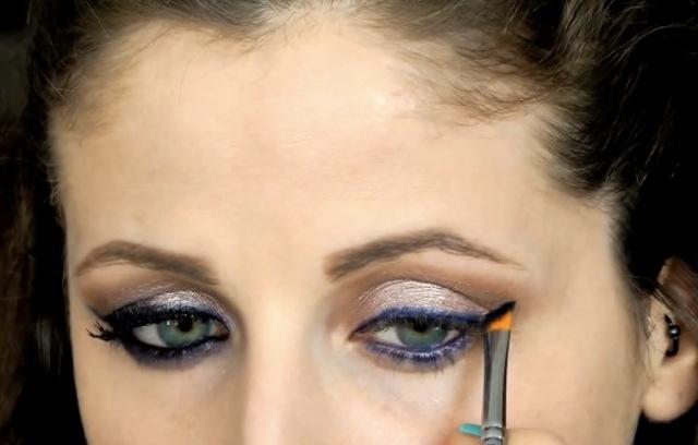 cliomakeup-eyeliner-occhi-piccoli-come-ingrandirli-11