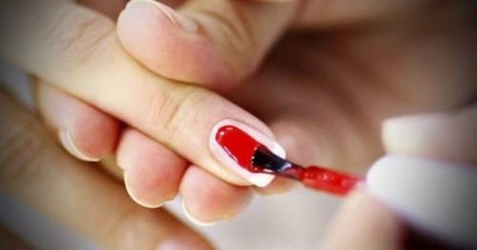 ClioMakeUp-prodotti-da-buttare-scaduti-subito-tinte-fondotinta-primer-ombretti-rossetti-6