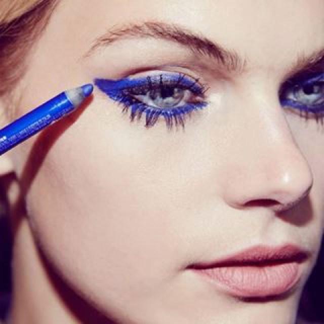 cliomakeup-palette-ombretti-occhi-azzurri-verdi-2-eye-liner-blu