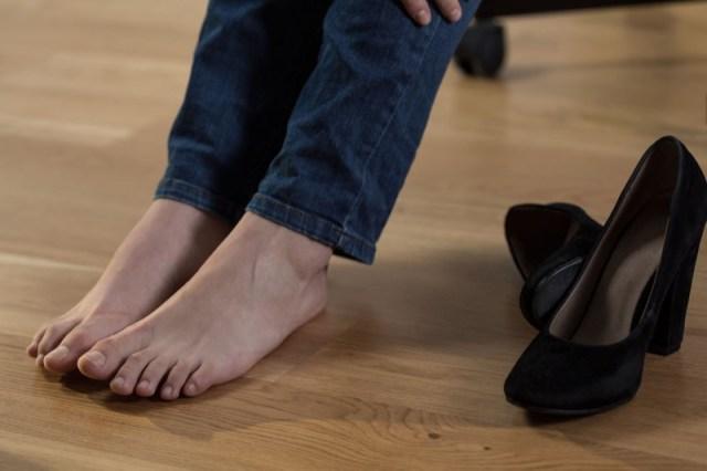 cliomakeup-ritenzione-idrica-cellulite-14-scarpe.jpg