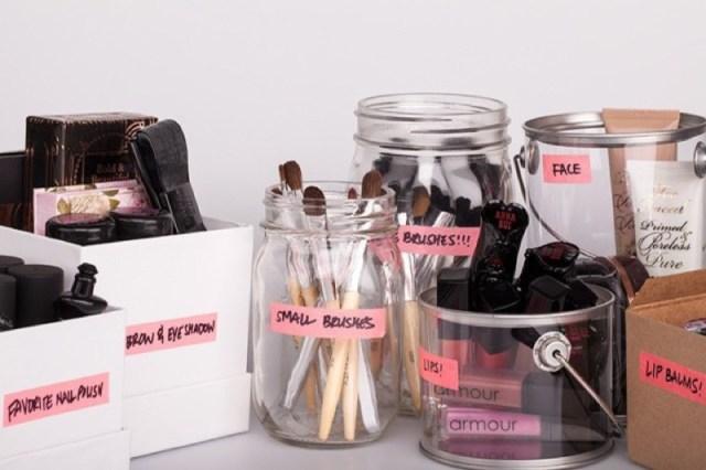 cliomakeup-metodi-organizzare-make-up-9-barattoli-etichette