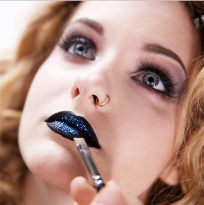 cliomakeup-maneskin-make-up-outfit-9-victoria-labbra