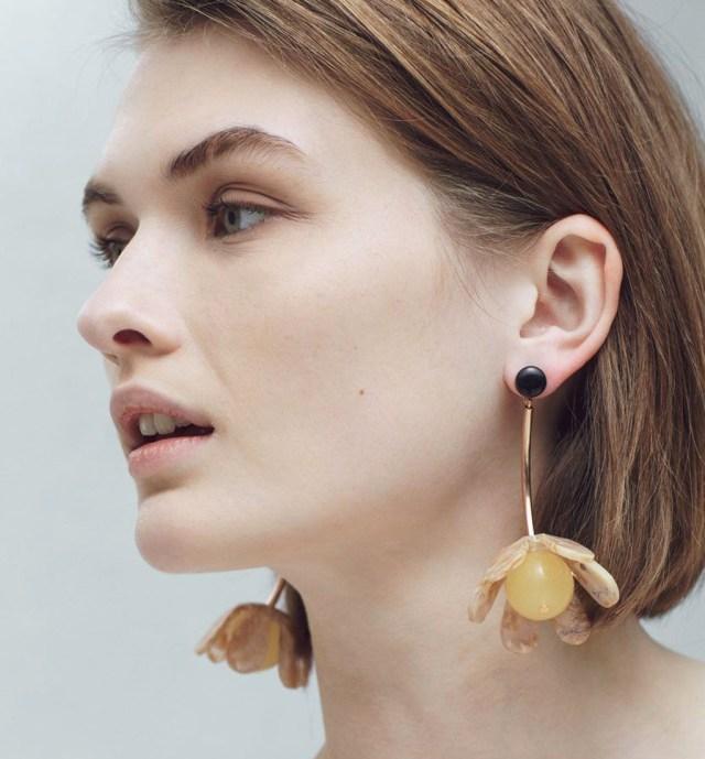 cliomakeup-orecchini-lunghi-come-abbinarli-outfit-accessori (20)