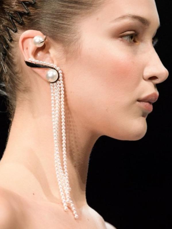cliomakeup-orecchini-diversi-8-perle