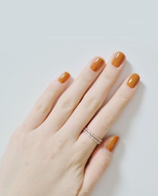 cliomakeup-smalto-arancione-7-pelle-chiara