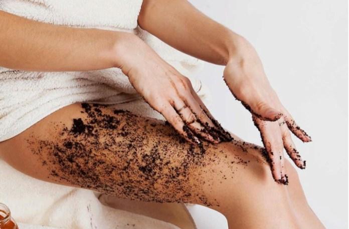 cliomakeup-depilazione-rasoio-gambe-12-scrub