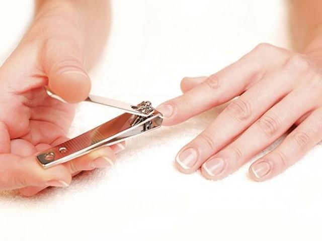 cliomakeup-come-tagliare-le-unghie-di-mani-e-piedi-16