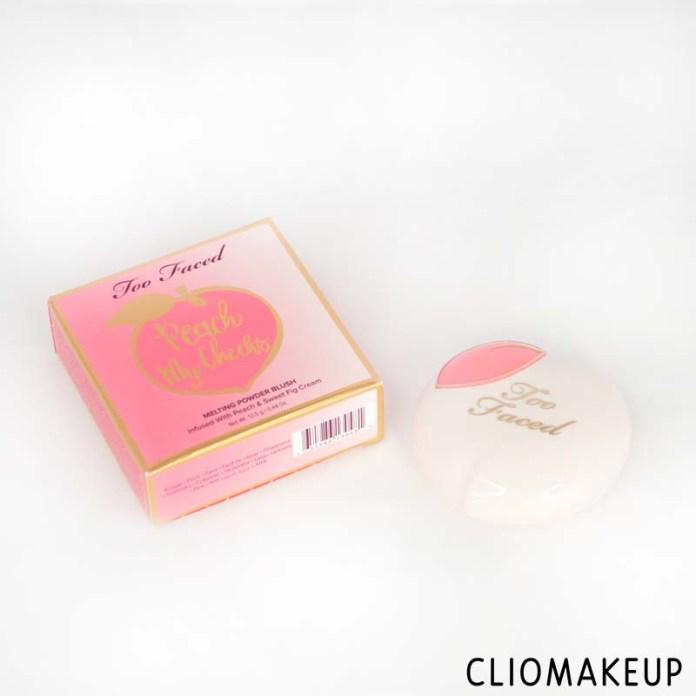 cliomakeup-recensione-blush-too faced-peach-my-cheeks-melting-powder-blush-4