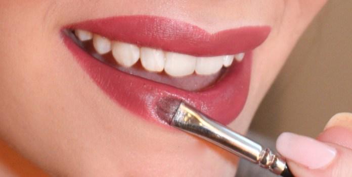 cliomakeup-rossetto-senza-matita-6-piccolo-applicatore