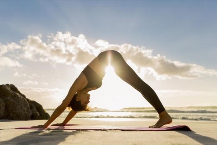 cliomakeup-yoga-benefici-corpo-4-posizione-cane