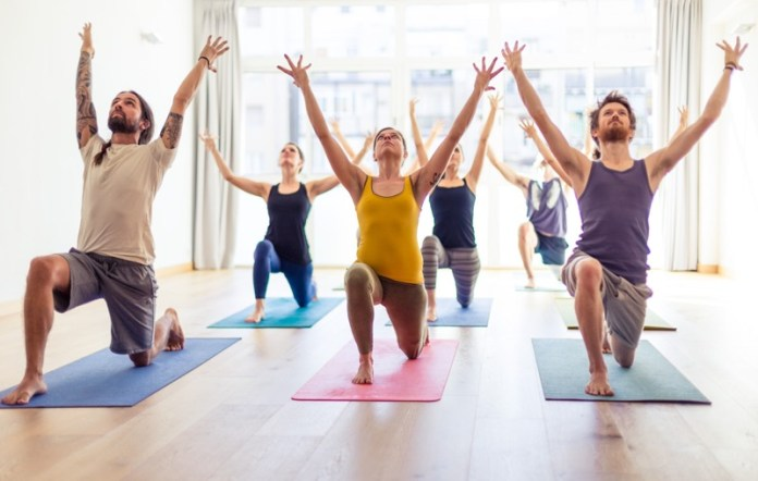 cliomakeup-yoga-benefici-corpo-16-classe