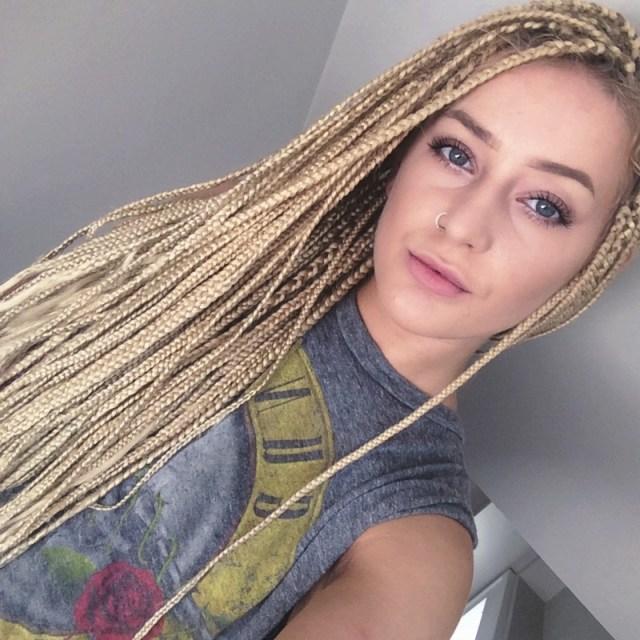 ClioMakeUp-extension-11-white-girl-box-braids.jpg
