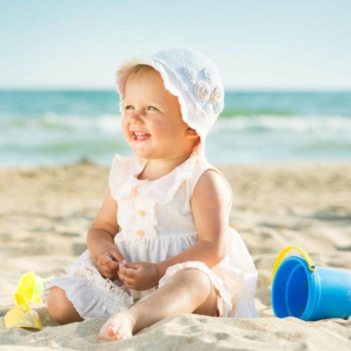 cliomakeup-bambini-al-sole-5-bambina-spiaggia