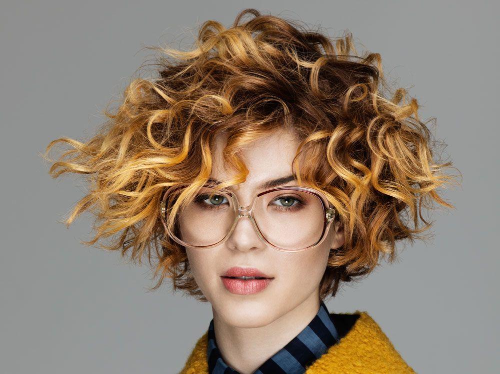 Foto tagli di capelli ricci corti