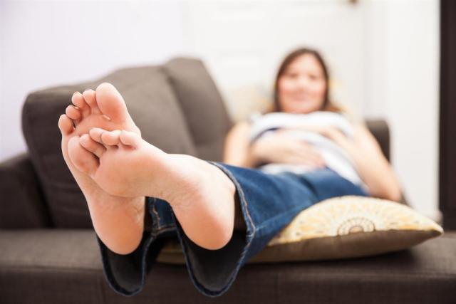 cliomakeup-gravidanza-in-estate-4-gambe-sollevate