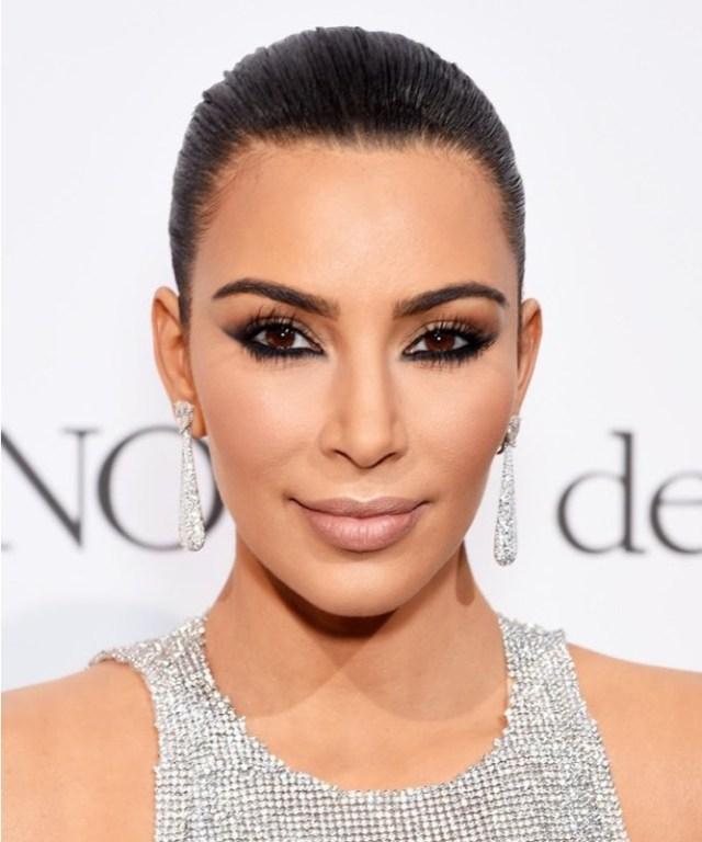 ClioMakeUp-matite-occhi-long-lasting-6-kim-kardashian.jpg