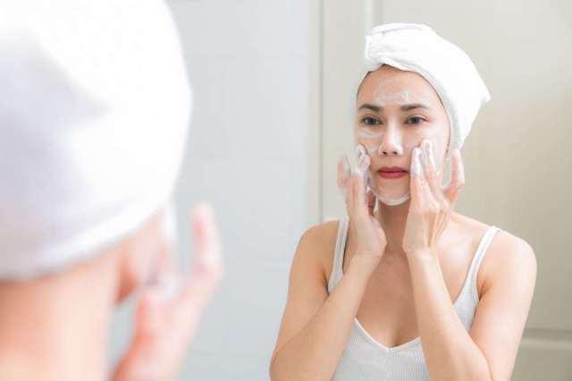 cliomakeup-skincare-mamme-non-dormono-7-detersione-viso